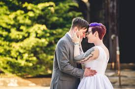 Making Money as a Wedding Photographer Assistant Business