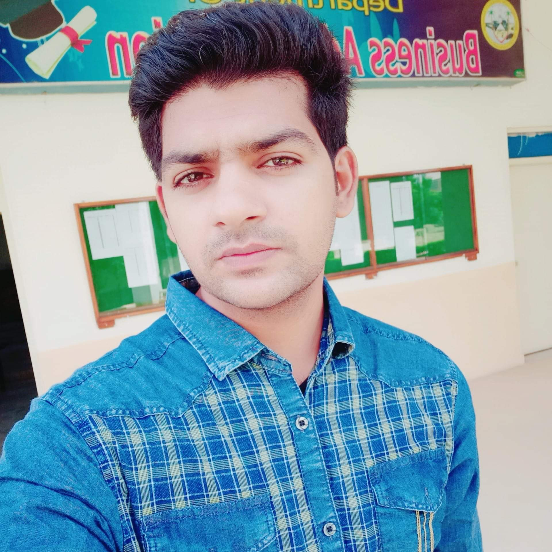 Mansoor Ali Accounting, Entrepreneurship, Finance, Human Resources, Project Management, Economics