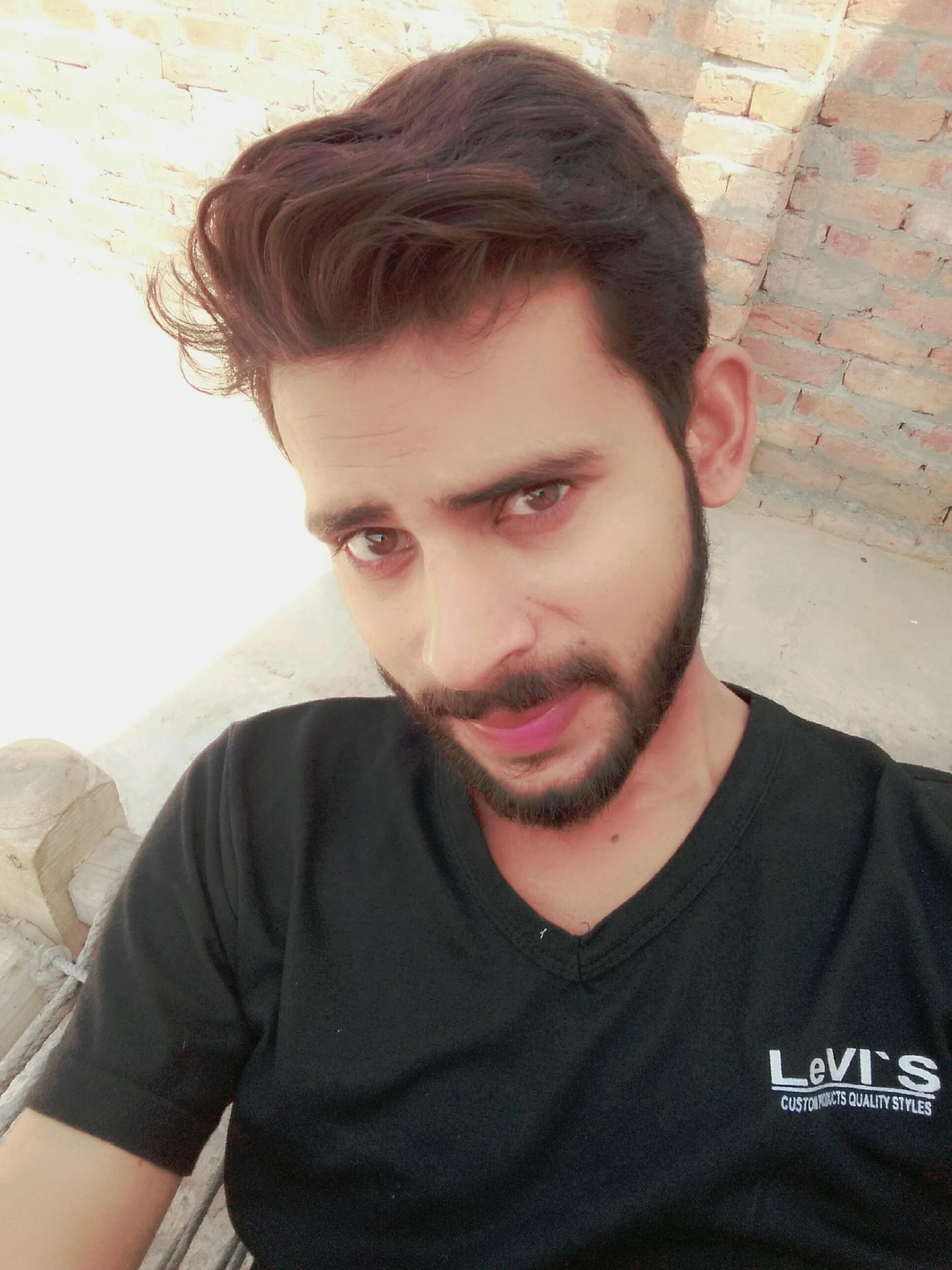Ali Raza English (UK), Punjabi, Urdu